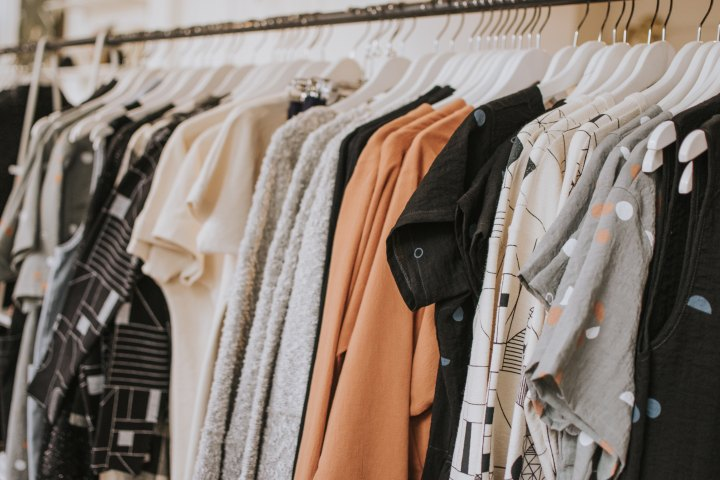 how to host a clothing swap (and why you should)