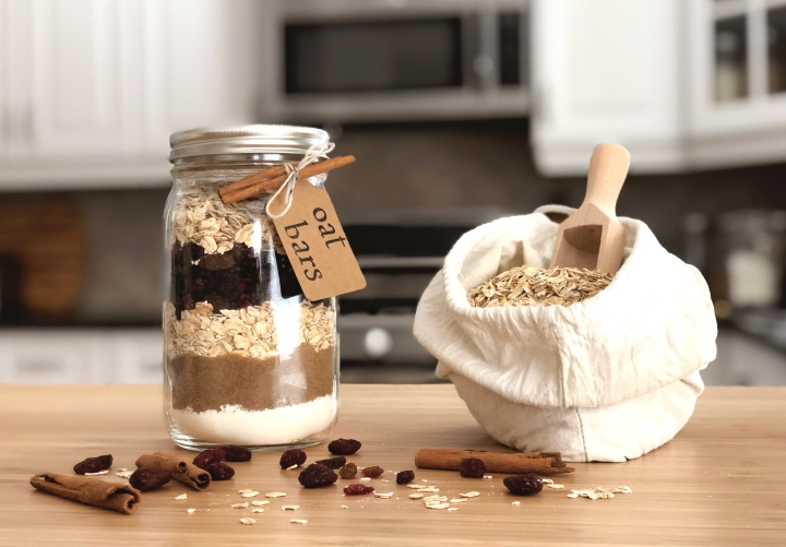 gifts in a jar – oat bars