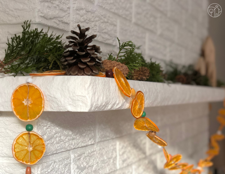 seasonal decor – dried orange slices